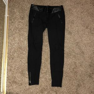 Minimal wear ponte leggings